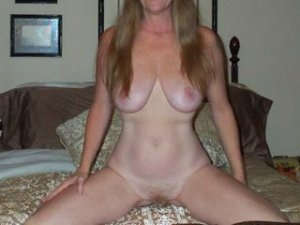 Ebtissam adult escorts Shorewood, WI